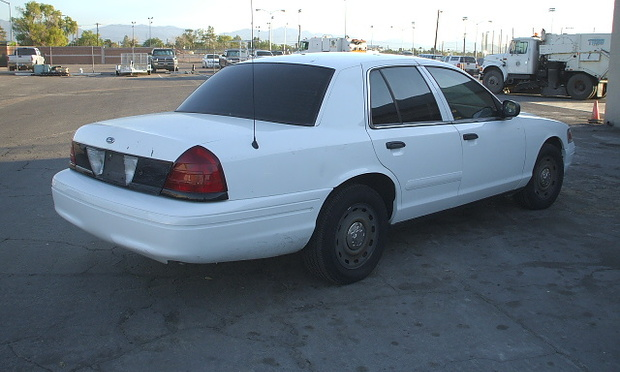 """P71 CROWN VICTORIA 3/"""" POLICE ANTENNA WITH  BASE MOUNT HARDWARE"""